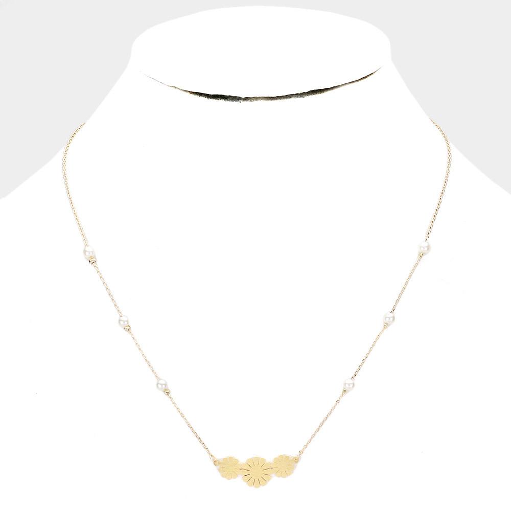 Triple Flower Pendant Necklace